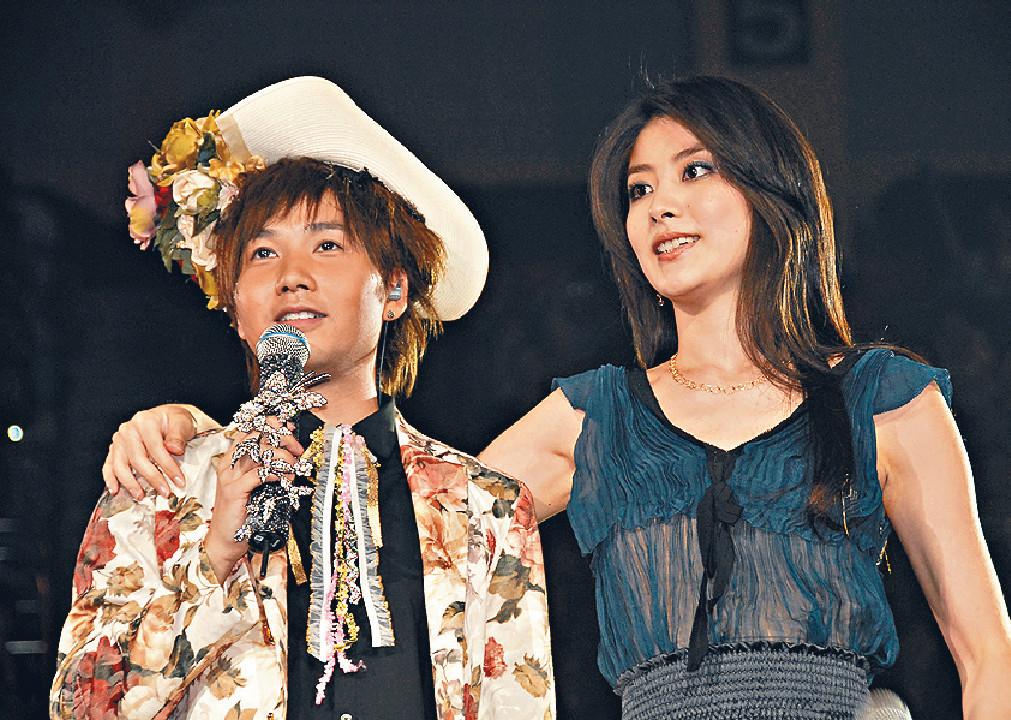 ■啤梨未入行已視陳慧琳為女神,06年《愛‧相信葉文輝演唱會》已邀對方擔任嘉賓。