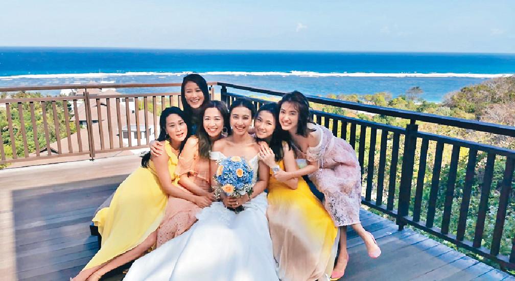 ■劉倩婷與岑杏賢和張嘉兒等齊出席朱千雪的婚禮。