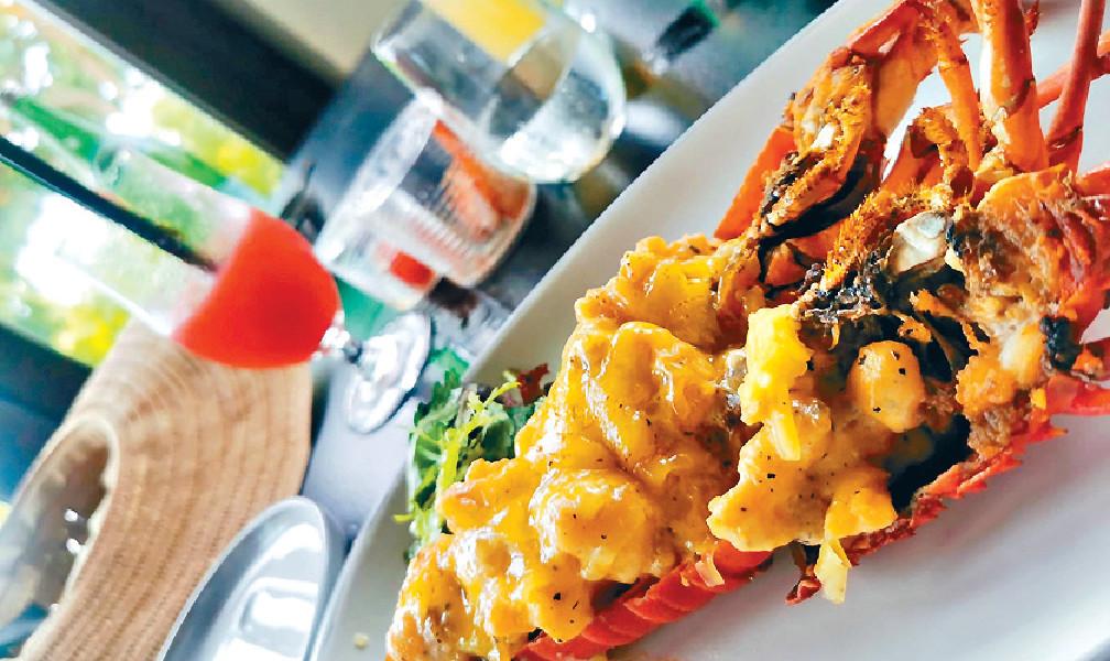 ■當地海鮮多選擇,這個焗龍蝦鮮味又彈牙。