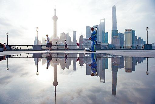 牛津經濟研究院、美銀美林及瑞銀均看淡中國明年經濟增長不足6%。