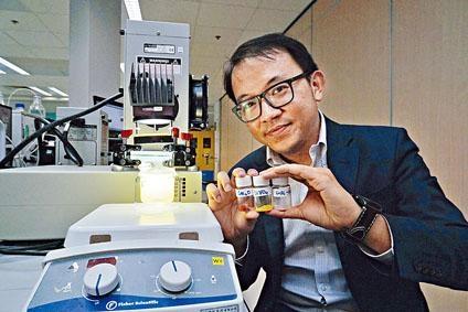 吳永豪研發的半導體,形成人造光合作用,分解水分子提取氫氣發電。
