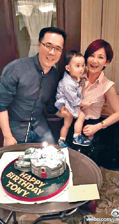 ■梁靜茹與趙元同正式離婚,共同撫養兒子。