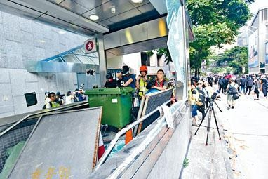 寧馬克形容香港正上演的是「暴力騷亂」。