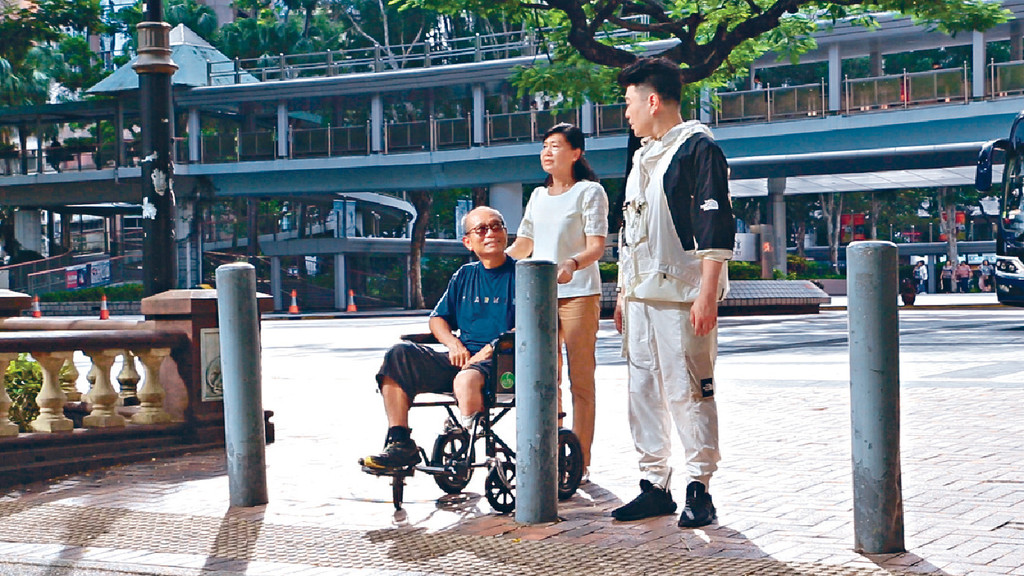 ■《大夢想家》MV,祥仔邀請了香港首個刀片跑手馮錦鴻參與演出。