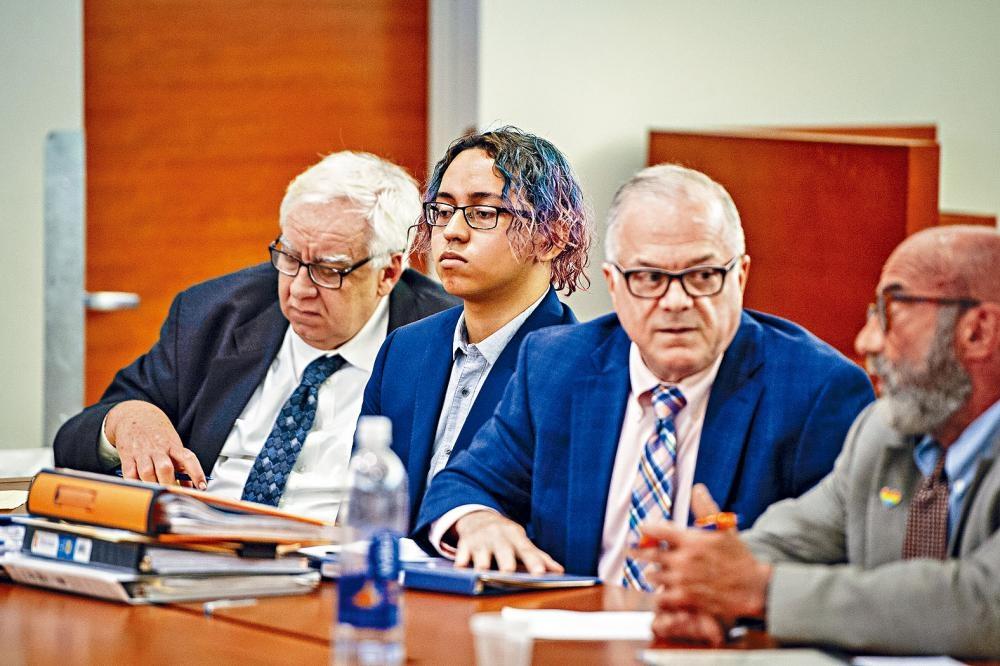 塞迪耶(左二)於今年7月時被裁定一級誤殺、襲擊及四級藏械罪名成立。 Gregg Vigliotti/紐約時報