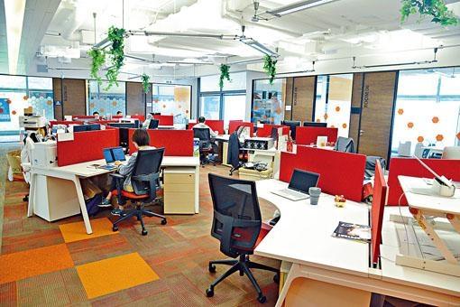 科技園及數碼港十月起所有租戶減租一半,為期六個月。圖為數碼港的共用工作空間。