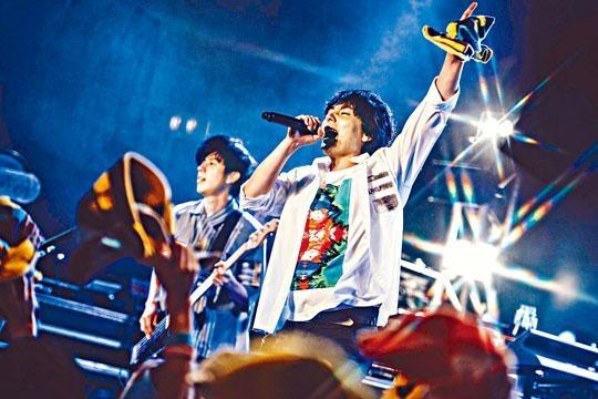 Flumpool前晚在港舉行演唱會,用盡心機唱多首中文歌。