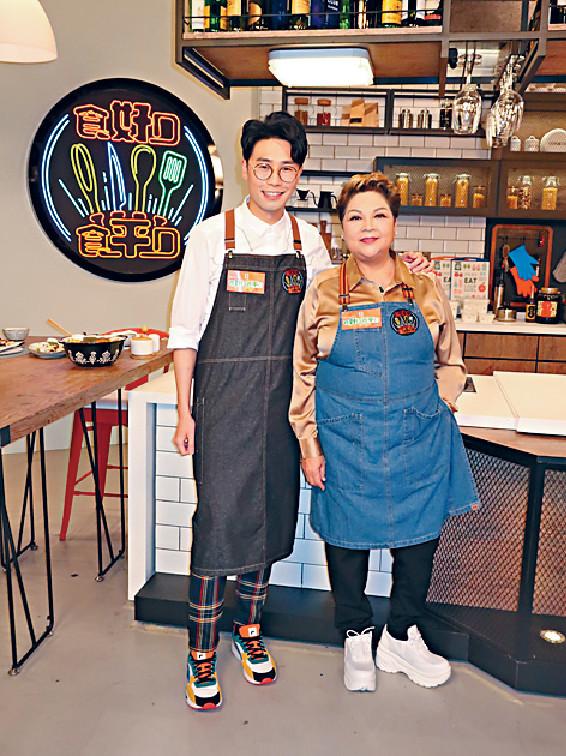 教煮好嘢 ■由肥媽及陸浩明主持的「食平D」系列一直深受觀眾喜愛,長拍長有。