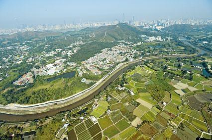 ■據外資行研究資料顯示,本港四大發展商持有農地面積約達一億方呎,當中以恒基居冠。