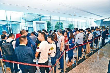 南昌站匯璽III首批352伙,市場消息指,即日售約350伙。