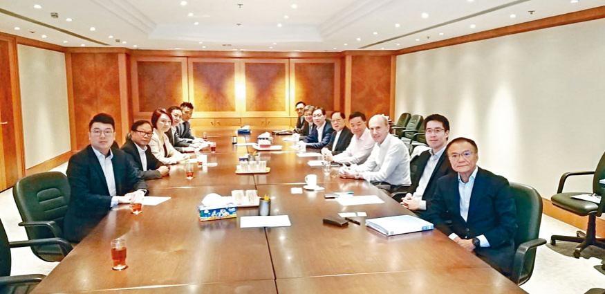 民建聯約見香港地產建設商會代表,希望爭取商會支持該黨的倡議。