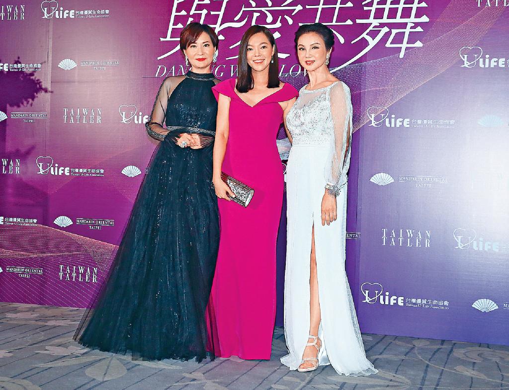 ■曾馨瑩(中)捐出100萬台幣,贊助玲玲姐(右)跳舞行善。