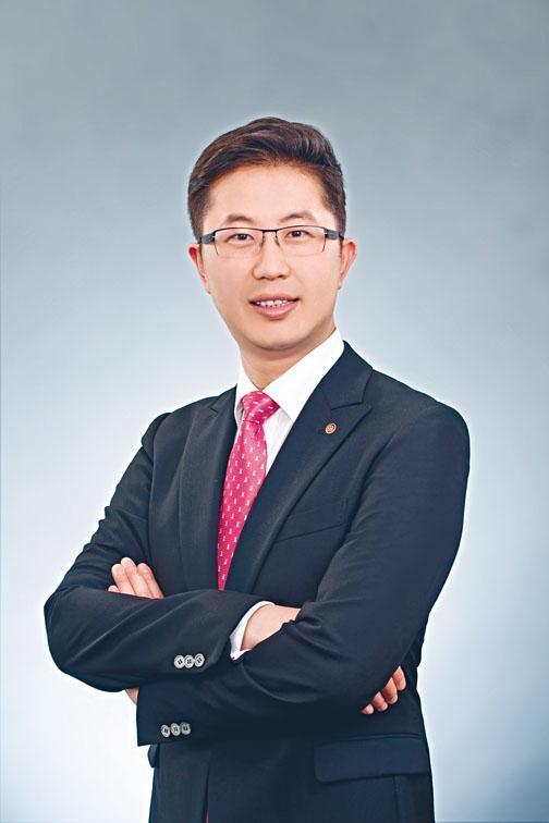 ●整形外科專科醫生彭志宏。