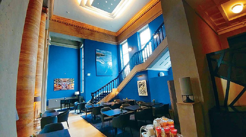 ■他們一到Dusseldorf便入住由法院改建的酒店。