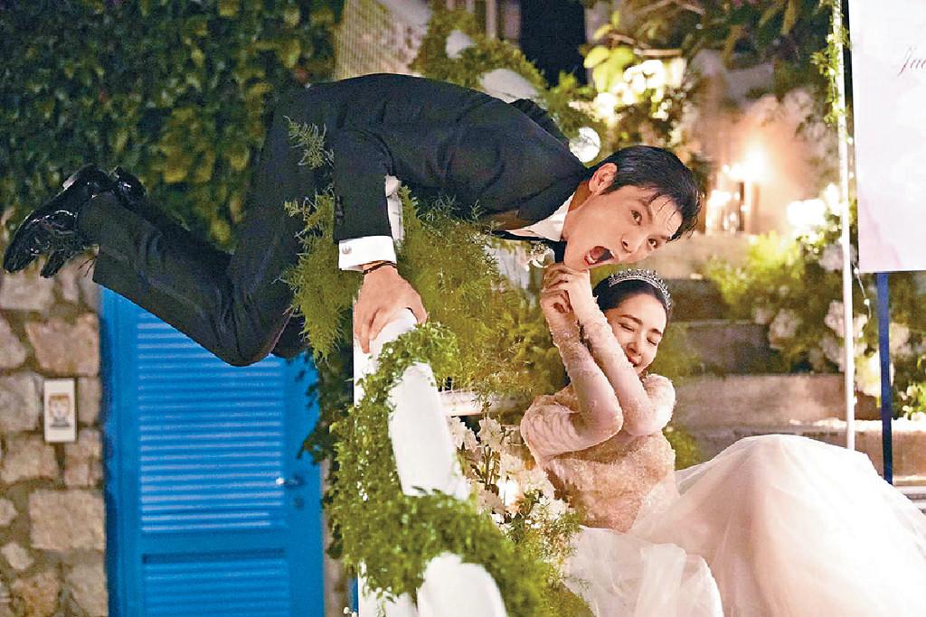 ■一對新人別出心裁地拍了不少有趣的婚照。