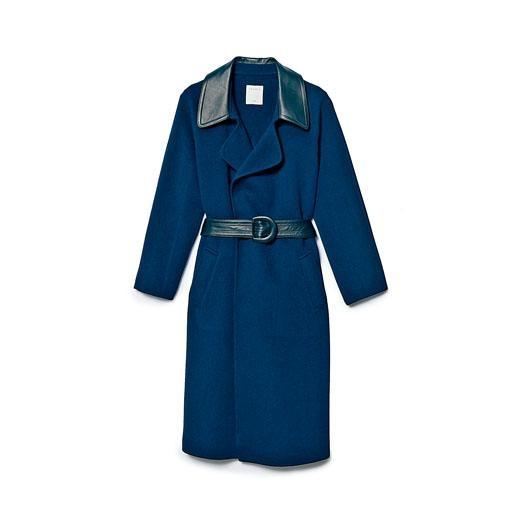 ●配以皮革領口與腰帶,提升格調且增添亮點/$6,445/Sandro。