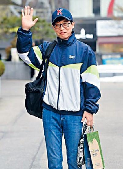 ■劉在石捐錢幫助風災災民。