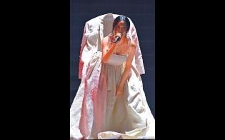網民質疑硬唱Juno歌  謝安琪開騷古仔宣佈「訂婚」