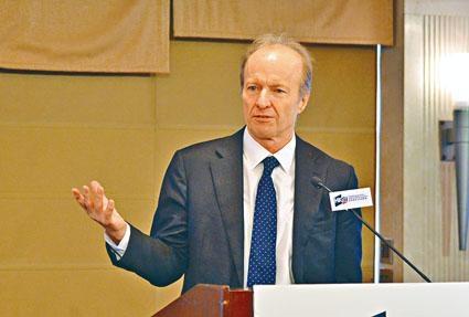 證監會行政總裁歐達禮決定不續約,將於明年9月任期屆滿後卸任。