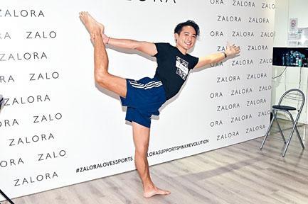Alex透露祖母也是瑜伽高手,曾在印度學習過。
