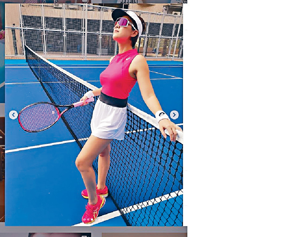 ■近日,Aimee積極做gym減磅,呢日搵型夫教打網球,陳太曲線好養眼。