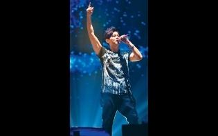 歌迷投訴買唔到飛  周董抗黃牛演唱會加開兩場