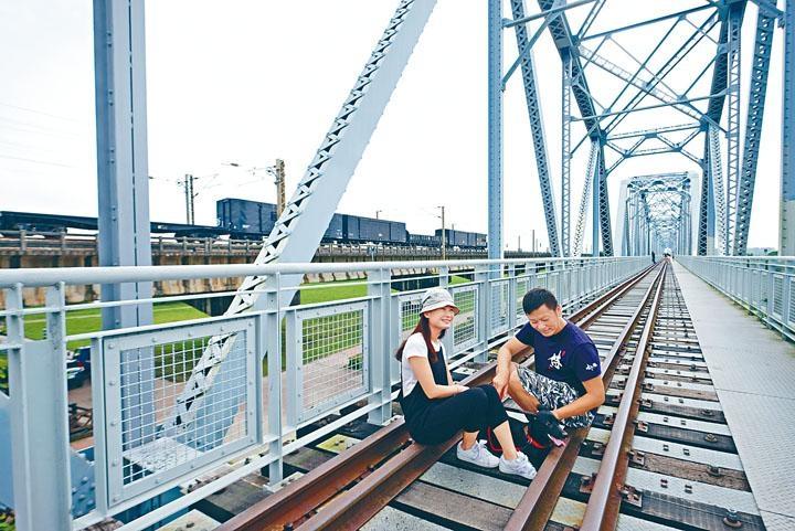 逾百年的鐵橋現已變身成為天空步道。