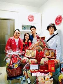 ■C君(左)上月已由兄弟陸永(右)陪同完成傳統過大禮儀式。