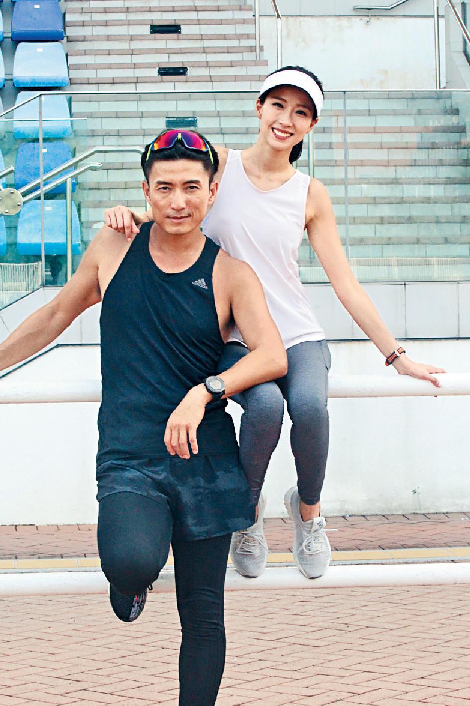 再做男一 ■陳山聰同老友姚子羚在新劇《大步走》狽重飛,前者男一位置非常穩固。