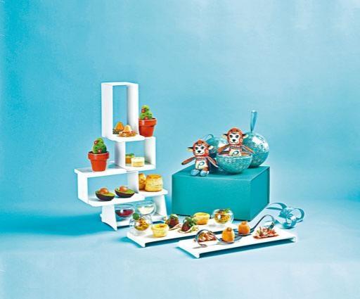 ●「活力墨西哥城篇」下午茶包羅一系列鹹甜美點,每位客人更可獲贈「PAPINEE小猴萬尼動物玩偶」一隻。