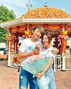 ■馮曦妤男友於主題公園求婚,大晒甜蜜。