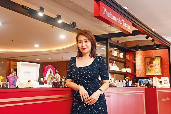 精品香水店Parfumerie Trésor老闆劉寶寶(Pauline),希望以香氣傳送快樂正能量。