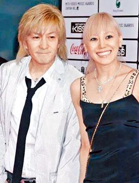 小室哲哉與曾腦中風的妻子Keiko離婚,卻只肯付微薄贍養費。