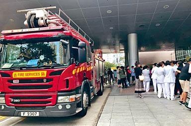北區醫院火警期間,有約二百人疏散至大樓外。