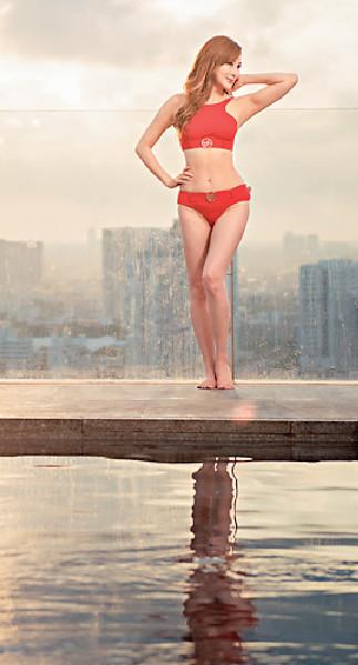 ■身形fit爆的羅霖,今年暑假推出《凍齡美魔法》時曾出動多套泳衣拍攝。