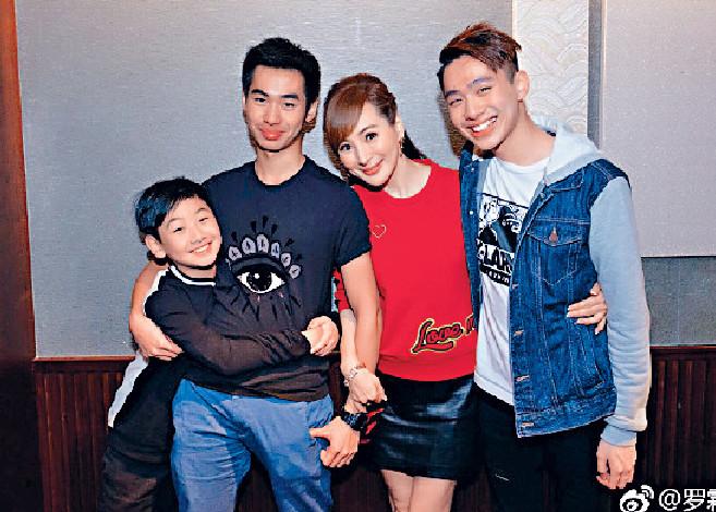 ■羅霖現時獨力撫養大仔Nathan、二仔Jordan和三仔Jonathan,母子感情很好。
