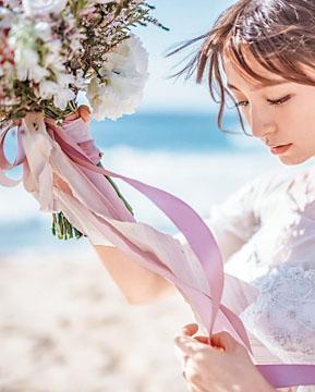 篠田麻里子公開靚靚婚紗照,並宣布有喜。