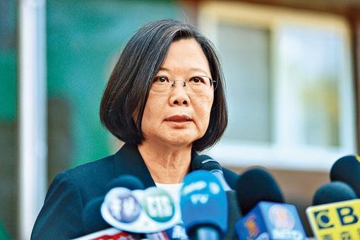 蔡英文指陳同佳是受通緝的兇嫌,「只有逮捕,沒有自首。」