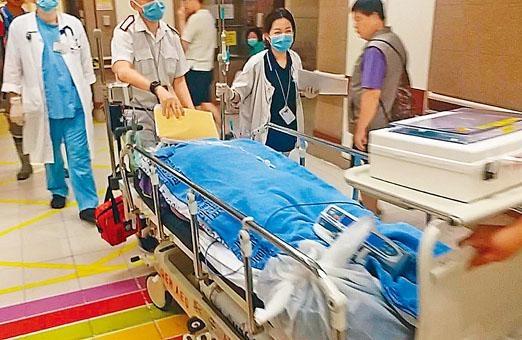 受傷地盤工人送院治理。