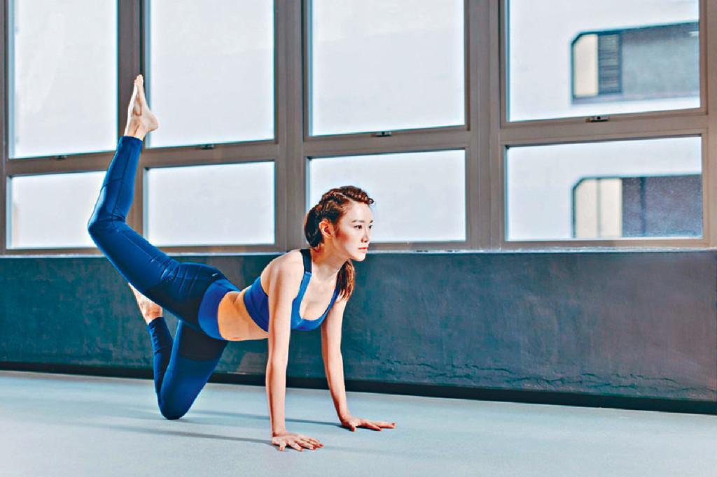 親自教授 ■熱愛瑜伽的Elva,明年大計是開瑜伽館並會親自教授。