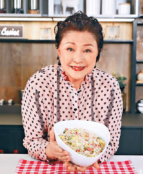 ■《Gi味俱全》教觀眾做家常菜,簡單一個午餐肉炒飯都好好味道。
