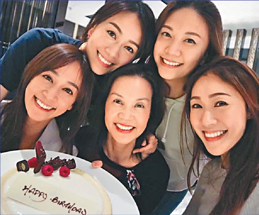 ■黃家一門四后,姊妹們相處融洽,關係密切。