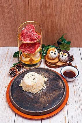 ●火山石燒日本A4和牛片採用來自日本鹿兒島的A4和牛,特別選用富油花的肩胛肉,口感豐富。($228)