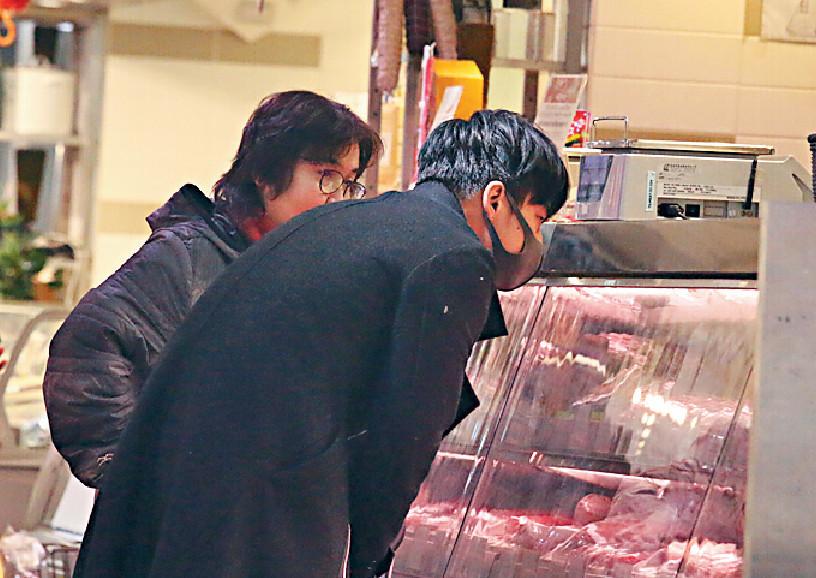■當晚譚永浩嘅晚餐好豐富,有菜又有扒。
