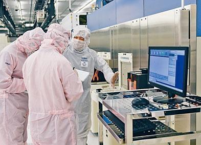 中芯管理層表示,第2代FinFET研發正穩步推進。