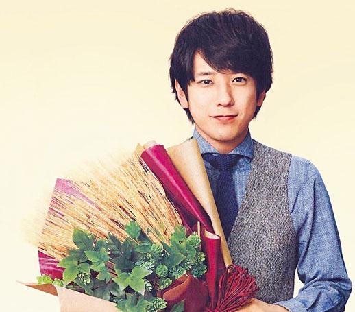 日本天團嵐成員二宮和也突宣布結婚,娶拍拖5年的女友伊藤綾子。