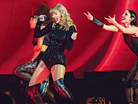 ■Taylor Swift捲入版權爭議,更自稱被阻在AMA頒獎禮上唱舊歌。