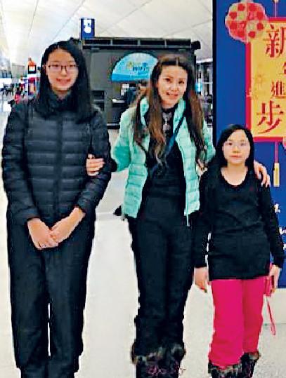 ■曹央雲的大女不經不覺已16歲,長得跟她一樣高。