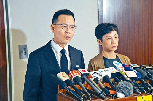 郭榮鏗(左)呼籲政府不要上訴。