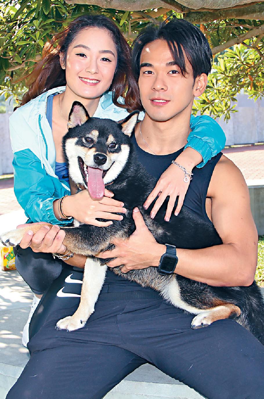 ■Andrew與Peggy拍拖兩年,去年一齊養了愛犬「梳打」。